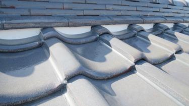 瓦屋根の棟漆喰の塗り替え
